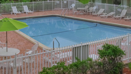 Rodeway Inn near Fort Lauderdale Airport and Cruise Port Everglades